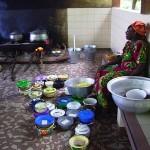 13-La cucina con i piatti del vitto ospedaliero