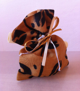 Sacchettino burkinabè con pergamena